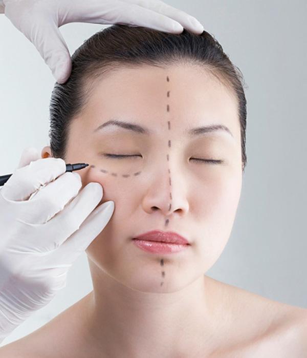 Bác sĩ - Thế mạnh tạo nên sự khác biệt trong thẩm mỹ khuôn mặt tại Kangnam 1