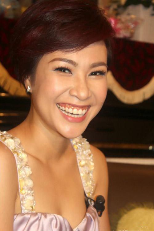 """Những nụ cười hở lợi kém duyên """"dìm hàng"""" sao Việt 6"""