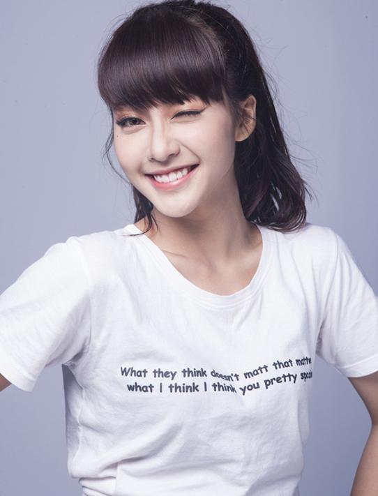 """Những hotgirl Việt sở hữu gương mặt V-line """"đẹp mê ly"""" 2"""
