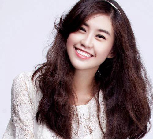 """Những hotgirl Việt sở hữu gương mặt V-line """"đẹp mê ly"""" 3"""