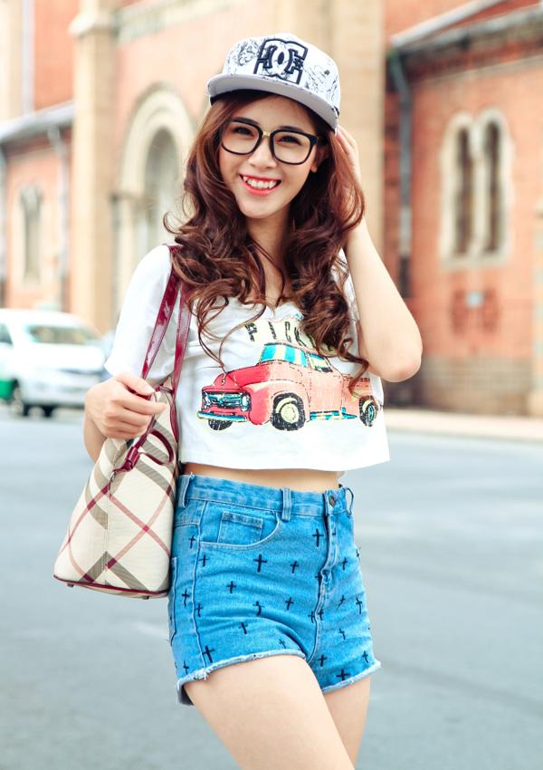 nhung-hotgirl-viet-so-huu-guong-mat-v-line-dep-me-ly-8