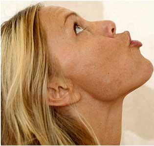 8 động tác giúp gương mặt bạn thanh mảnh hơn 3