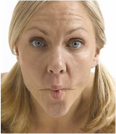 8 động tác giúp gương mặt bạn thanh mảnh hơn 4