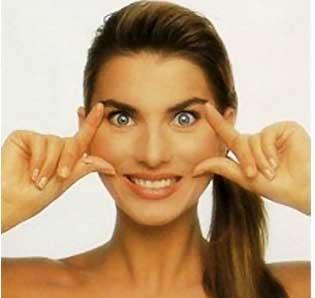 8 động tác giúp gương mặt bạn thanh mảnh hơn 5