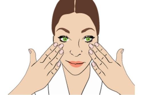 """""""Ảo thuật"""" massage giúp cơ mặt thon gọn hơn 2"""