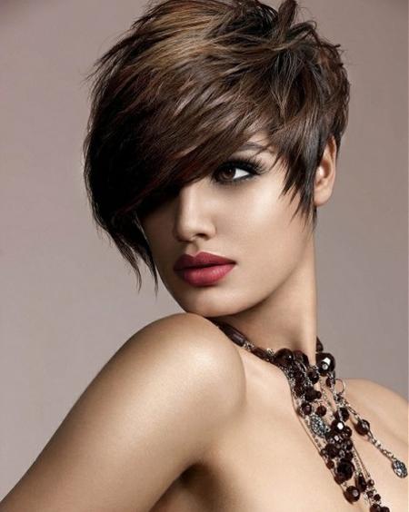 Khuôn mặt tròn nên để kiểu tóc nào phù hợp nhất? 2