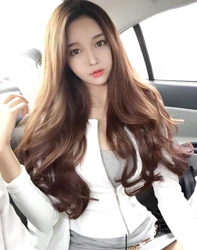 Khuôn mặt tròn nên để kiểu tóc nào phù hợp nhất? 7