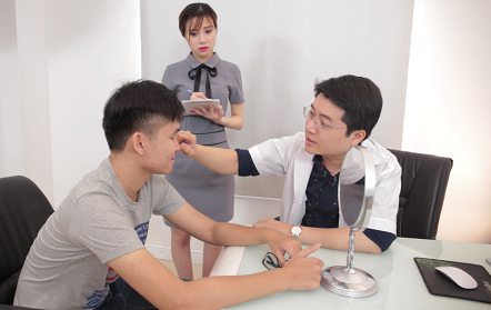 Đàn ông phẫu thuật thẩm mỹ không còn quá xa lạ với người Việt